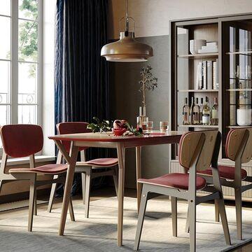 Каким должен быть обеденный стол? Думаем, что прежде всего - надежным.  Такой, который запросто выдержит любое веселье и с удобством разместит всех гостей.  Именно поэтому в производстве оснований и ножек наших столов мы используем массив дуба - породу, которая отличается своей прочностью и красивой текстурой.  Компактный обеденный стол PROSO с нетрадиционной формой столешницы  и интересным дизайном ножек из массива дуба украсит столовую зону и справится с разными нагрузками благодаря прочному основанию.  Столешница выполнена из натурального шпона дуба.  Богатая фактура этого дерева гармонично сочетается с эмалью на торцах и обратной стороне столешницы.  Цвет эмали, как и тонировку дуба,  вы можете подобрать под свой интерьер из нашей палитры.  Посмотреть другие варианты оформления обеденного стола PROSO  можно на нашем сайте, активная ссылка в сторис и в описании профиля⤴️